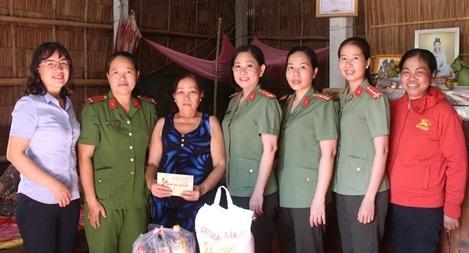 Phụ nữ Công an tỉnh Trà Vinh với công tác xã hội từ thiện