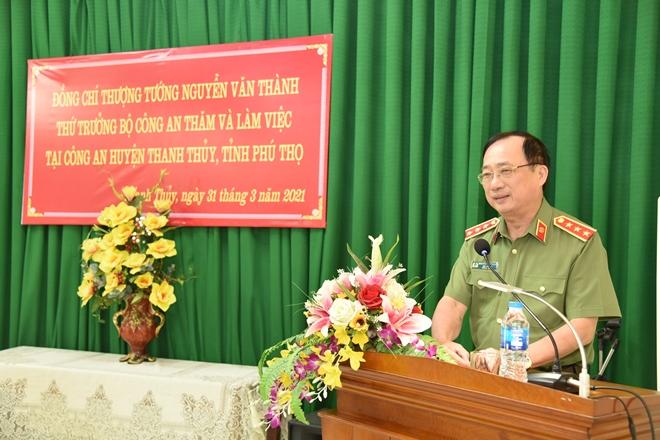 Thứ trưởng Nguyễn Văn Thành kiểm tra công tác và trồng cây tại huyện Thanh Thủy