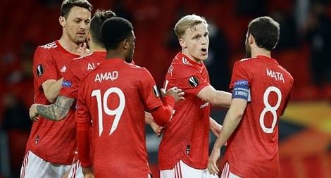 Cavani cán mốc lịch sử, MU nhẹ nhàng vào bán kết Europa League