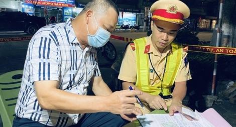 CSGT Công an Lạng Sơn kiểm tra, xử lý vi phạm về nồng độ cồn dịp lễ 30/4 – 1/5