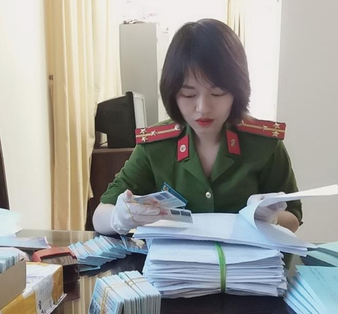Nữ Thượng úy mắc bệnh hiểm nghèo xung phong tham gia chiến dịch cấp CCCD - Ảnh minh hoạ 2