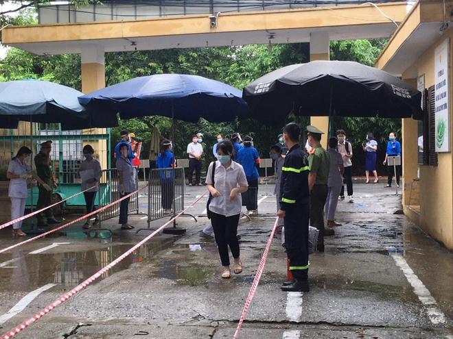 Công an TP Hà Nội đồng loạt ra quân bảo vệ kỳ thi tuyển sinh - Ảnh minh hoạ 2