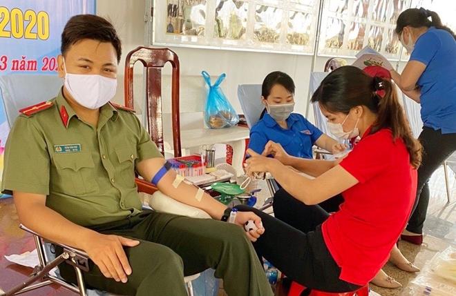 Thiếu úy Công an với 53 lần hiến máu tình nguyện