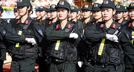 Ngắm nữ sinh Học viện CSND rạng ngời diễu binh trong lễ khai giảng