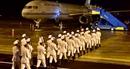 Cận cảnh chuyên cơ của Thủ tướng Australia và New Zealand tới Đà Nẵng
