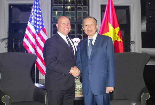 Bộ trưởng Tô Lâm tiếp xã giao Cố vấn an ninh quốc gia Hoa Kỳ H.R.McMaster - Ảnh minh hoạ 3