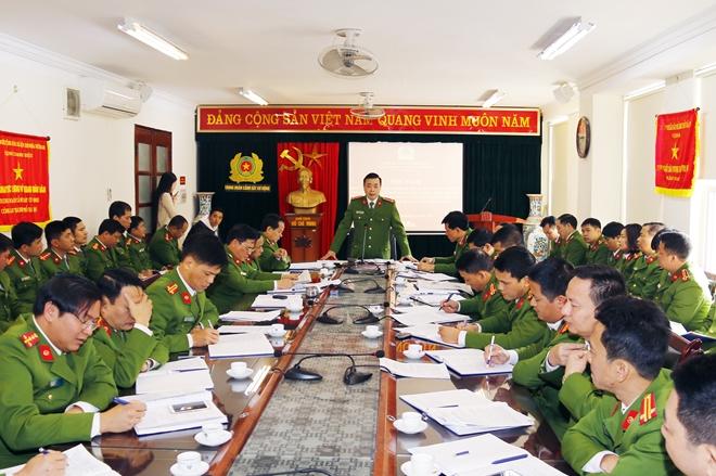 Công an các địa phương ra quân đợt cao điểm bảo đảm TTATGT Tết Mậu Tuất 2018 - Ảnh minh hoạ 3