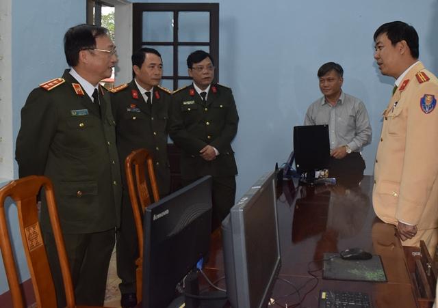 Đoàn công tác Bộ Công an thăm, làm việc tại Công an tỉnh Thừa Thiên - Huế - Ảnh minh hoạ 2