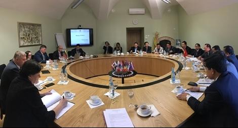 Thứ trưởng Nguyễn Văn Thành hội đàm với Thứ trưởng Bộ Nội vụ Lithuania
