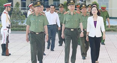 Bộ trưởng Tô Lâm kiểm tra công tác tại Công an tỉnh Bạc Liêu