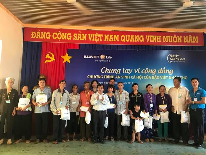 Khám bệnh miễn phí và tặng quà cho 500 người nghèo tại tỉnh Bình Phước - Ảnh minh hoạ 2