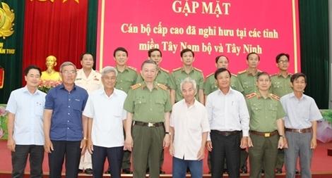 Bộ Công an gặp mặt cán bộ cấp cao đã nghỉ hưu tại Tây Nam bộ và Tây Ninh