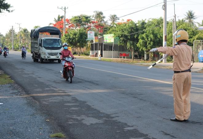 Công an các tỉnh ra quân tổng kiểm soát phương tiện đường bộ - Ảnh minh hoạ 24