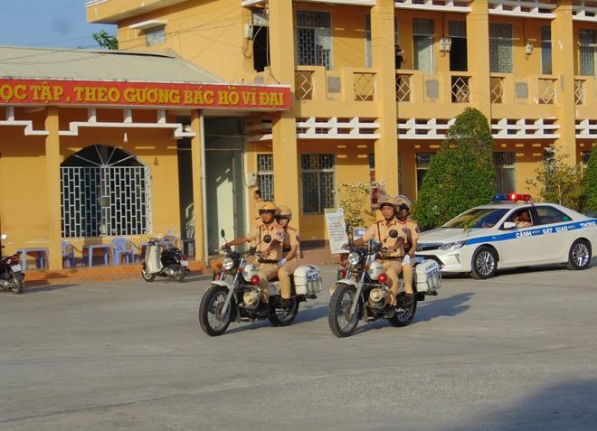 Công an các tỉnh ra quân tổng kiểm soát phương tiện đường bộ - Ảnh minh hoạ 15