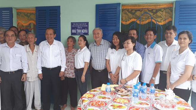 Trao tặng nhà tình nghĩa cho gia đình chính sách ở Long An - Ảnh minh hoạ 4