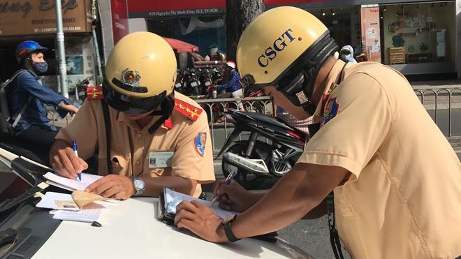 100% CSGT Công an TP Hồ Chí Minh ra quân tổng kiểm tra trật tự, ATGT - Ảnh minh hoạ 2