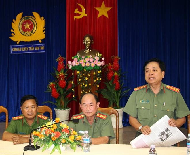 Báo CAND giao lưu với Công an huyện Trần Văn Thời - Ảnh minh hoạ 4
