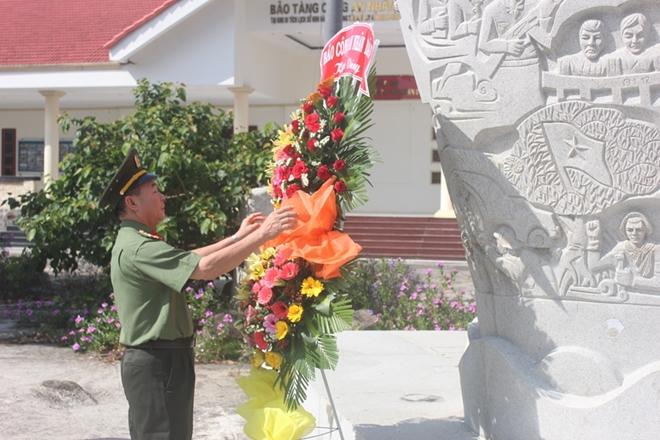 Báo CAND dâng hương Khu Di tích lịch sử quốc gia Hòn Đá Bạc - Ảnh minh hoạ 5