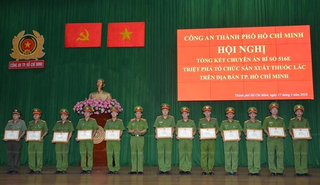 Khen thưởng tập thể, cá nhân triệt phá đường dây ma tuý lớn tại TPHCM - Ảnh minh hoạ 3