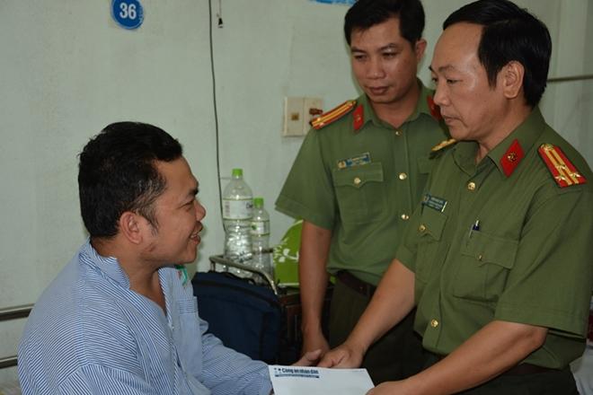 Báo CAND hỗ trợ CBCS Công an Bình Thuận bị thương khi làm nhiệm vụ - Ảnh minh hoạ 3