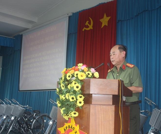 Phó Thủ tướng Thường trực Trương Hòa Bình thăm Mẹ Việt Nam anh hùng và học sinh nghèo hiếu học - Ảnh minh hoạ 11