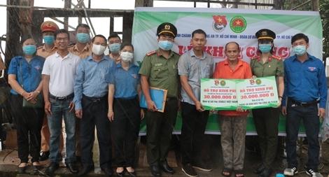 Ngày cao điểm Chiến sĩ tình nguyện chung tay xây dựng nông thôn mới