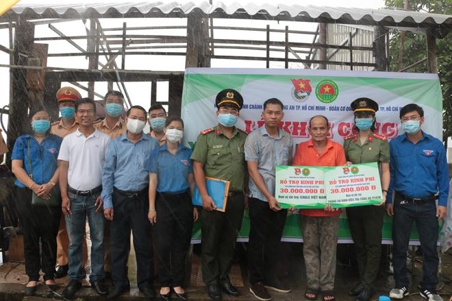 Ngày cao điểm Chiến sĩ tình nguyện chung tay xây dựng nông thôn mới - Ảnh minh hoạ 3