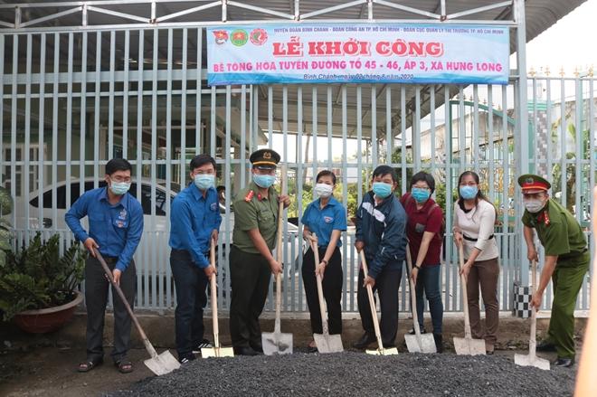 Ngày cao điểm Chiến sĩ tình nguyện chung tay xây dựng nông thôn mới - Ảnh minh hoạ 2
