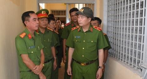 Thứ trưởng Lê Quốc Hùng kiểm tra tình hình thực hiện dự án trại tạm giam