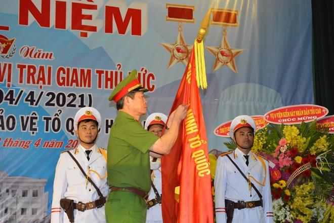 Trại giam Thủ Đức đón nhận Huân chương Bảo vệ Tổ quốc hạng Nhất