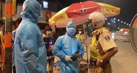 Công an TP Hồ Chí Minh triển khai kiểm soát các chốt, trạm phòng chống dịch