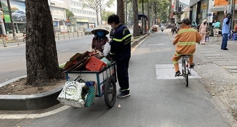 Tấm lòng của những người lính cứu hỏa giữa mùa dịch COVID-19