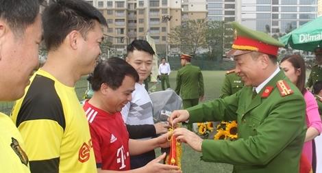 Bộ Tư lệnh CSCĐ thi đấu bóng đá chào mừng ngày truyền thống