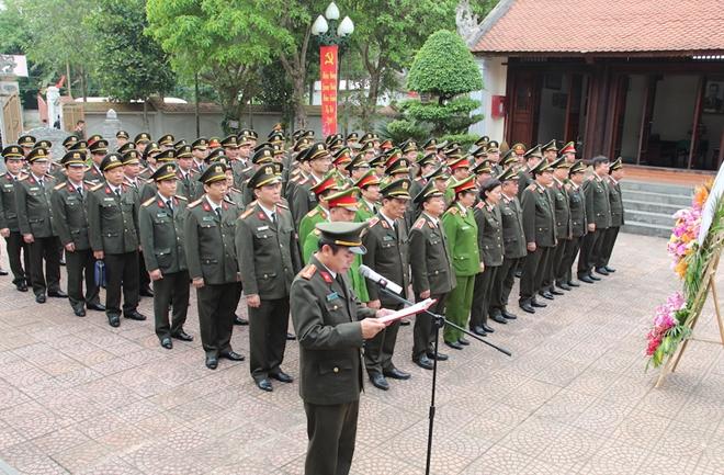 Dâng hương tưởng niệm Chủ tịch Hồ Chí Minh - Ảnh minh hoạ 6