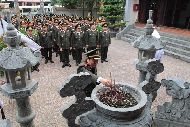 Dâng hương tưởng niệm Chủ tịch Hồ Chí Minh - Ảnh minh hoạ 5