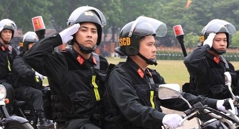 Ngắm CSCĐ duyệt đội ngũ với những phương tiện đặc chủng đầy sức mạnh