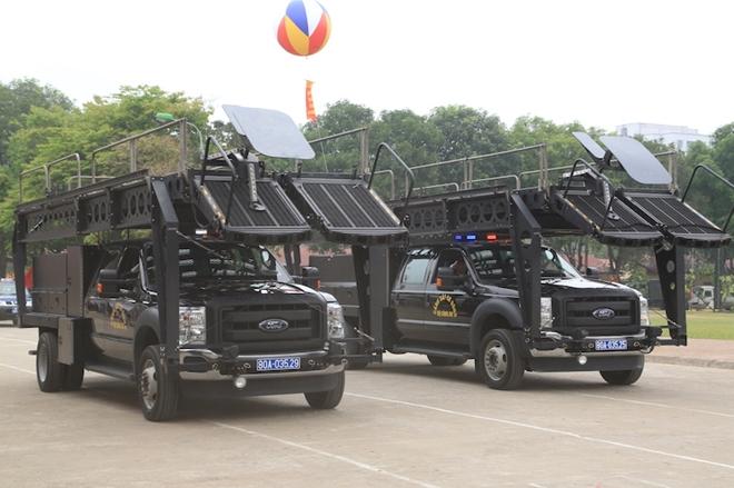 Ngắm CSCĐ duyệt đội ngũ với những phương tiện đặc chủng đầy sức mạnh - Ảnh minh hoạ 13
