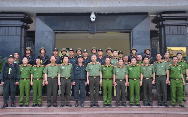 Bộ trưởng Tô Lâm thăm và làm việc tại Trung đoàn CSCĐ Tây Bắc - Ảnh minh hoạ 4