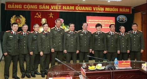 Thứ trưởng Nguyễn Văn Thành làm việc với Cục Công tác đảng và công tác chính trị