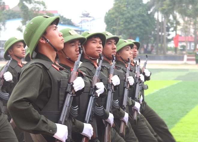 Sinh viên Công an duyệt đội ngũ, biểu diễn kỹ thuật bắn súng - Ảnh minh hoạ 5