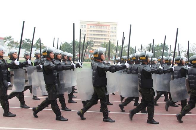 Sinh viên Công an duyệt đội ngũ, biểu diễn kỹ thuật bắn súng - Ảnh minh hoạ 7