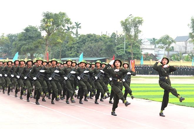 Sinh viên Công an duyệt đội ngũ, biểu diễn kỹ thuật bắn súng - Ảnh minh hoạ 6