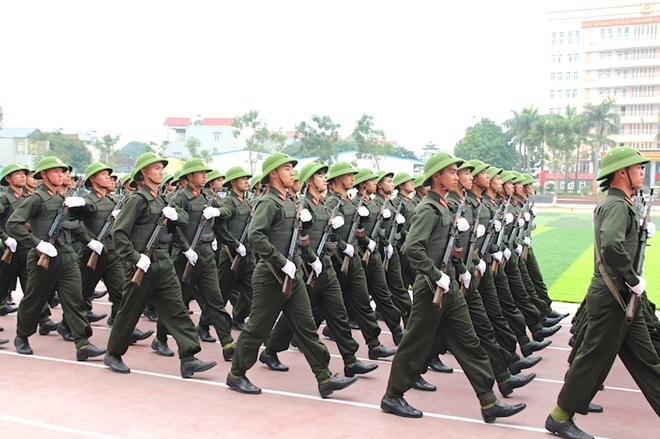 Sinh viên Công an duyệt đội ngũ, biểu diễn kỹ thuật bắn súng - Ảnh minh hoạ 3