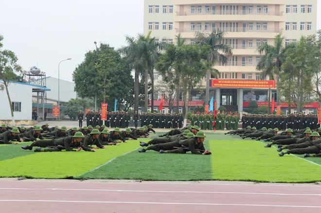 Sinh viên Công an duyệt đội ngũ, biểu diễn kỹ thuật bắn súng - Ảnh minh hoạ 8