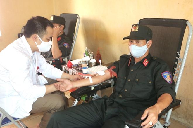 Hơn 620 CBCS Bộ Tư lệnh Cảnh sát cơ động tham gia hiến máu - Ảnh minh hoạ 5