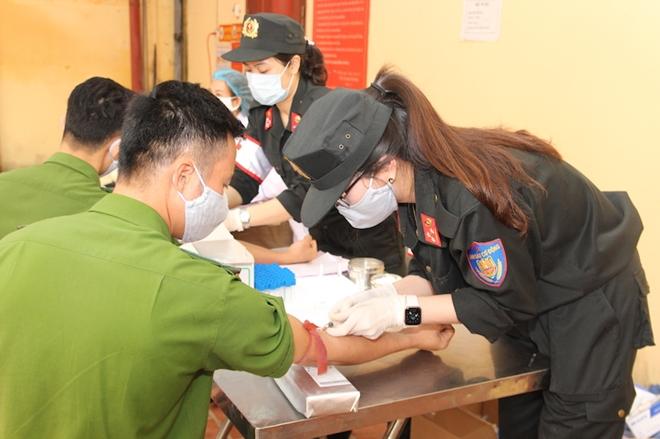 Hơn 620 CBCS Bộ Tư lệnh Cảnh sát cơ động tham gia hiến máu - Ảnh minh hoạ 3
