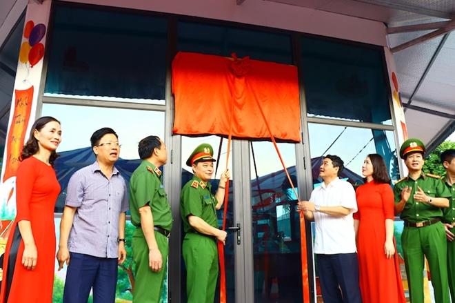 Bộ Tư lệnh CSCĐ tặng Điện Biên nhà bán trú, thư viện thân thiện - Ảnh minh hoạ 2