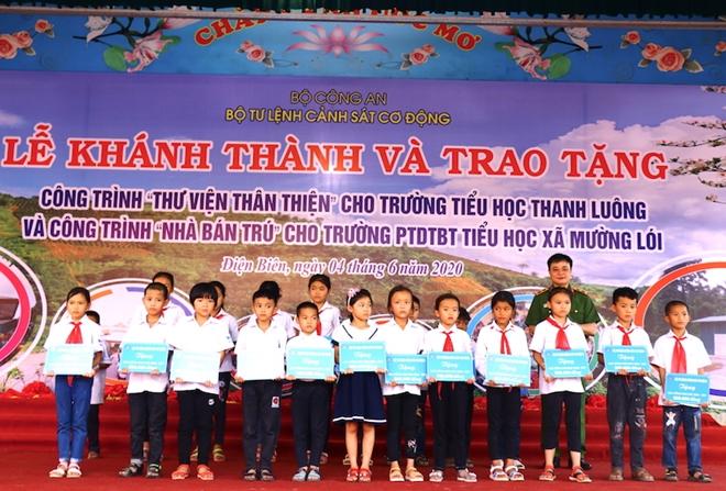 Bộ Tư lệnh CSCĐ tặng Điện Biên nhà bán trú, thư viện thân thiện - Ảnh minh hoạ 4
