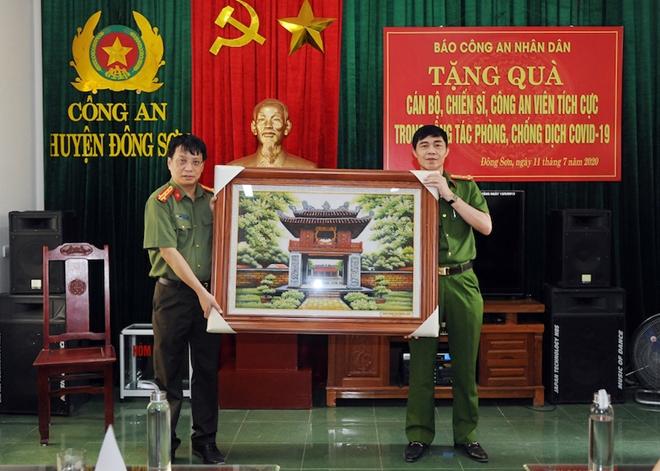 Báo CAND và hành trình về nguồn đầy nghĩa tình tại tỉnh Thanh Hóa - Ảnh minh hoạ 3