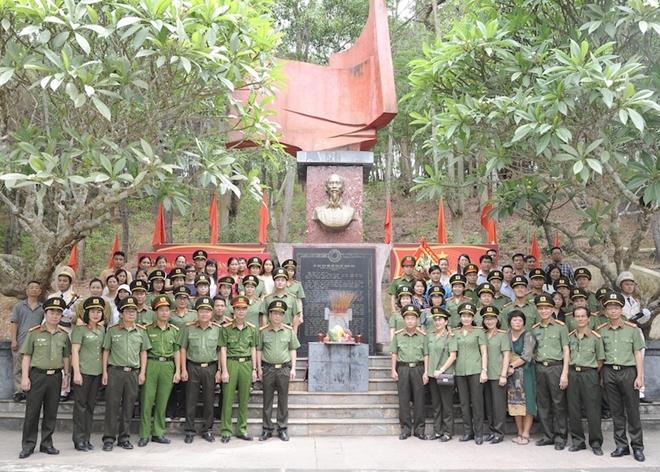 Báo CAND và hành trình về nguồn đầy nghĩa tình tại tỉnh Thanh Hóa - Ảnh minh hoạ 2